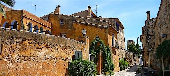 10 villages cinématographiques médiévaux de Gérone