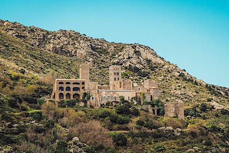 Discover the monastery of Sant Pere de Rodes