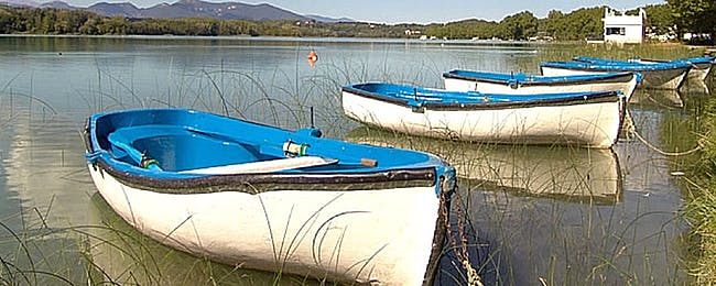 A tour of the Banyoles lake